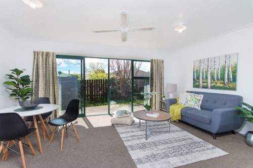 Pukekohe, Newly renovated on Victoria , Property ID: 46002994 | Barfoot & Thompson