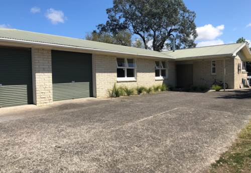 Dairy Flat, 3 Bedroom, single level home in Dairy Flat. , Property ID: 56002960 | Barfoot & Thompson
