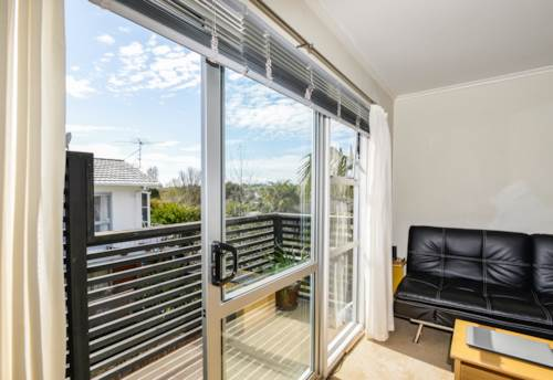 Meadowbank, Bright and Elevated, Property ID: 58000854 | Barfoot & Thompson