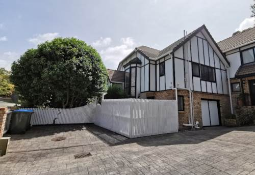 Remuera, Bright and Light, Property ID: 65002479 | Barfoot & Thompson
