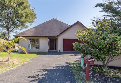 Gulf Harbour, Well established family home near the golf course, Property ID: 70000110   Barfoot & Thompson