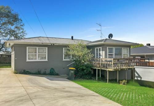 Beach Haven, Single level, heat pump, sunny deck, Property ID: 75000634 | Barfoot & Thompson