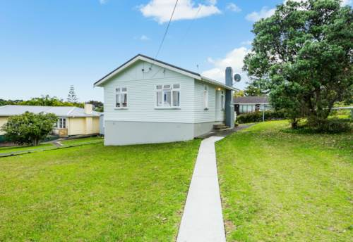 Browns Bay, Absolutely Perfect , Property ID: 12000010 | Barfoot & Thompson