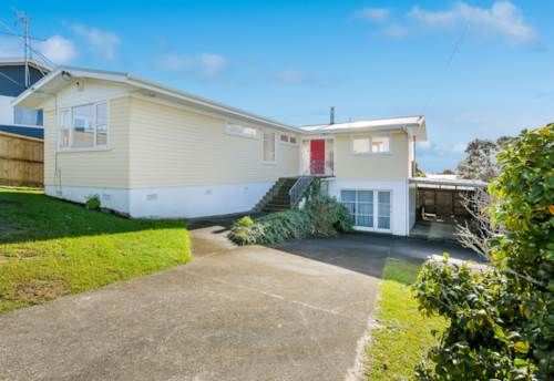 Browns Bay, Great Location, Sea View, Wooden Floors, Property ID: 12000087 | Barfoot & Thompson