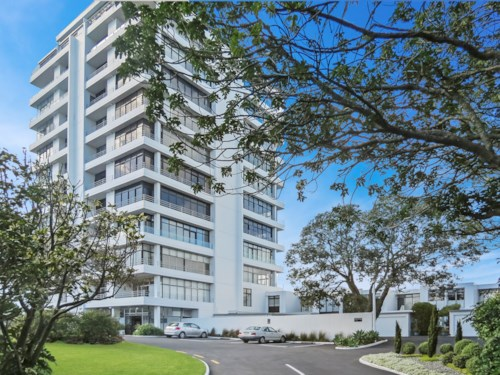Devonport, High Rise Apartment Stunning Views!, Property ID: 13000037 | Barfoot & Thompson