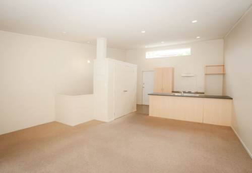 Hillsborough, Modern unit with views over bush , Property ID: 14000054 | Barfoot & Thompson