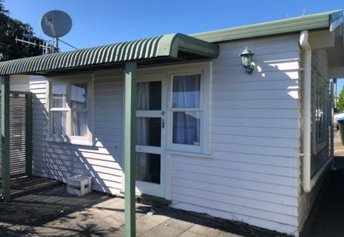 Greenlane, One Bedroom Private Unit, Property ID: 14000300 | Barfoot & Thompson