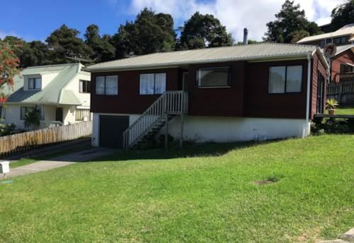 Glenfield, Sunny Townhouse, Property ID: 15000019 | Barfoot & Thompson