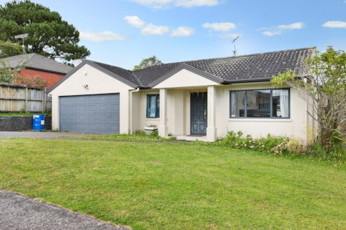 Unsworth Heights, 3 Bedroom Family Home with a study , Property ID: 15000111 | Barfoot & Thompson