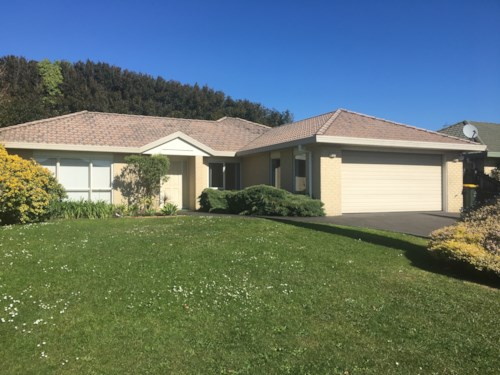 Howick, Spacious family home, Property ID: 17000073 | Barfoot & Thompson