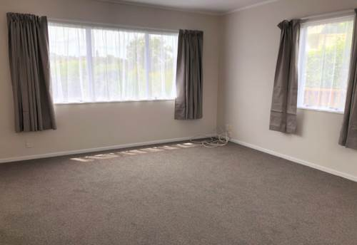 Cockle Bay, FREESTANDING UNIT!, Property ID: 17000416 | Barfoot & Thompson