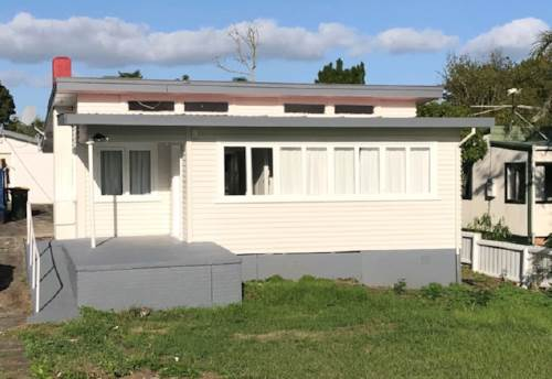 Manurewa, Unexpectedly Available, Property ID: 20001047 | Barfoot & Thompson