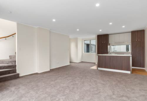 Mt Eden, Modern terrace house in central location, Property ID: 25000095 | Barfoot & Thompson