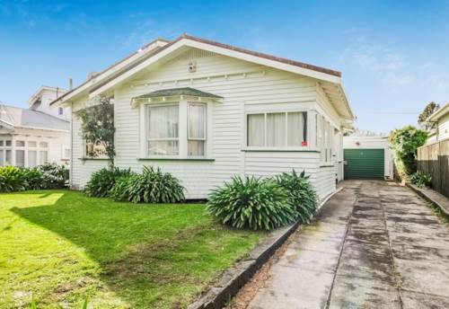 Balmoral, Goodsized north facing family home, great location., Property ID: 25000105 | Barfoot & Thompson