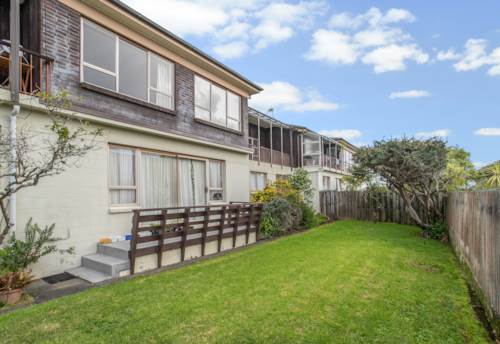 Mission Bay, Walk to the beach and village- spacious apartment, Property ID: 25000154 | Barfoot & Thompson