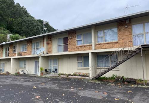 Mt Eden, Cosy upstairs unit in Mt Eden, Property ID: 25000408 | Barfoot & Thompson