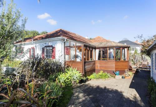 Balmoral, Cute cottage,sunny with west facing private entertainment area., Property ID: 25000446 | Barfoot & Thompson