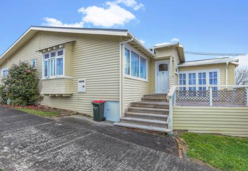 Sandringham, Renovated four bedroom two living, Property ID: 25000548 | Barfoot & Thompson