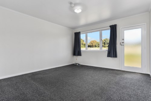 Glen Eden, Gleaming and ready to go!, Property ID: 27000045 | Barfoot & Thompson