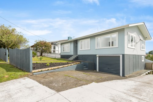 Te Atatu South, Just like new family home , Property ID: 27000118 | Barfoot & Thompson