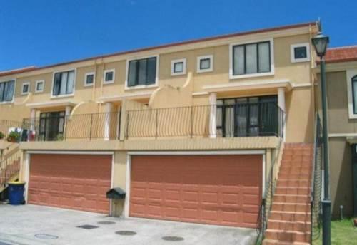 New Lynn, Trendy spacious townhouse, Property ID: 27000692 | Barfoot & Thompson