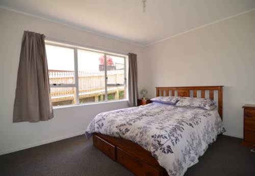 Remuera, RECENTLY RENOVATED - LOCATION PLUS!, Property ID: 30000051   Barfoot & Thompson