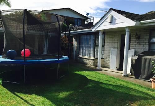 Royal Oak, 3 BEDROOM - SUNNY - NEW CARPET, HEATPUMP, FULLY INSULATED, Property ID: 30001435 | Barfoot & Thompson