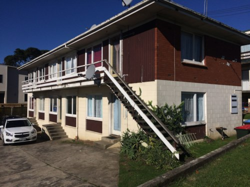 Otahuhu, 2/18 Atkinson Ave - rent includes water & lawn, Property ID: 31000652 | Barfoot & Thompson