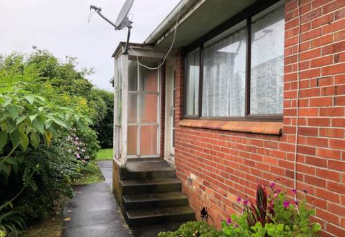 Otahuhu, Rent includes lawn on 3/20a Atkinson, Property ID: 31000660 | Barfoot & Thompson