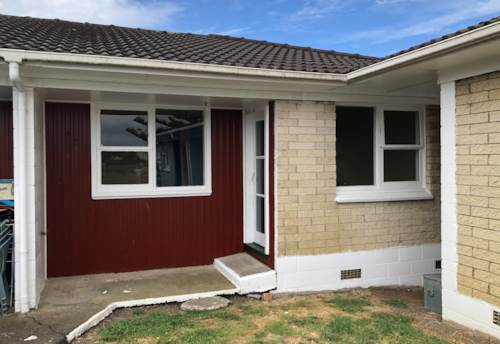 Otahuhu, Rent includes water & lawn, Property ID: 31000671   Barfoot & Thompson
