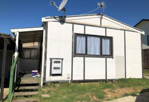 Mangere, Rent includes water, lawn & power!, Property ID: 31000900 | Barfoot & Thompson