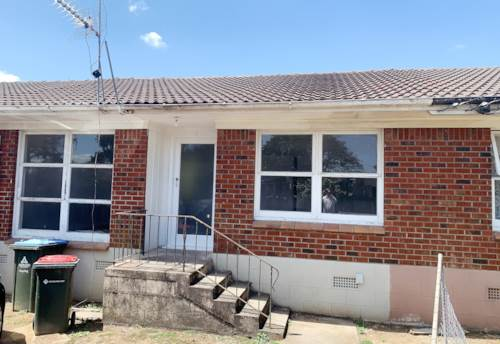 Otahuhu, 2 bedroom unit on Princes St, Property ID: 34000138 | Barfoot & Thompson