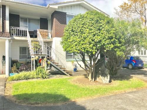 Mt Wellington, Walk to all amenities, Property ID: 34000215 | Barfoot & Thompson