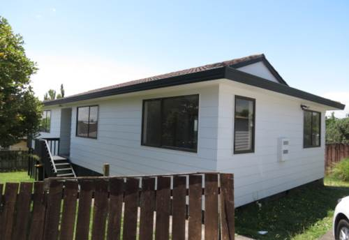 Clendon Park, Palmers Prize!, Property ID: 35000177 | Barfoot & Thompson