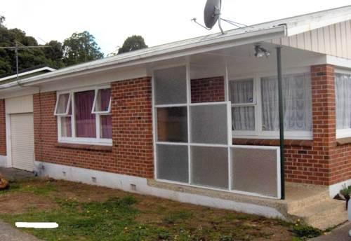 Papakura, Unit in Rosehill, Property ID: 35000665 | Barfoot & Thompson