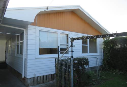 Papatoetoe, Three Bedroom and Single Garage- Prime Location, Property ID: 36000126 | Barfoot & Thompson