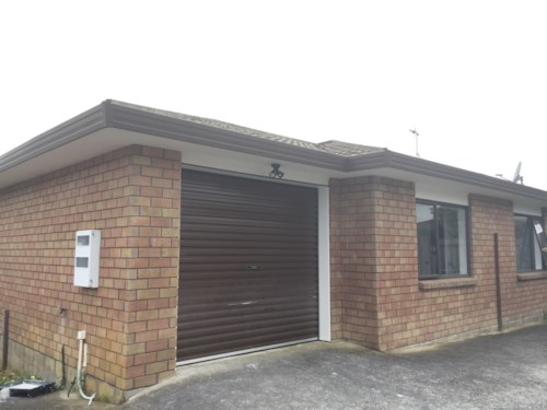 Flat Bush, Newly Renovated 3 Bedroom House With Single Garage, Property ID: 36000559 | Barfoot & Thompson
