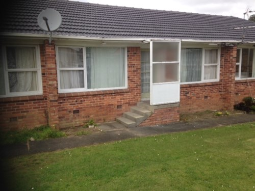 Papatoetoe, 2 bedroom unit with garage, Property ID: 36000982 | Barfoot & Thompson