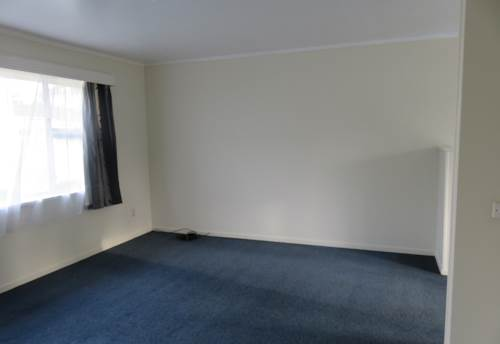 Ellerslie, 2 Bedroom End unit- Great location, Property ID: 36001344 | Barfoot & Thompson