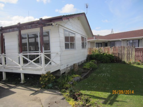 Wiri, 3 bedroom family home with carport, Property ID: 36001749 | Barfoot & Thompson