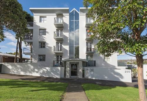 Grey Lynn, Smart Modern Apartment, Property ID: 37000043 | Barfoot & Thompson