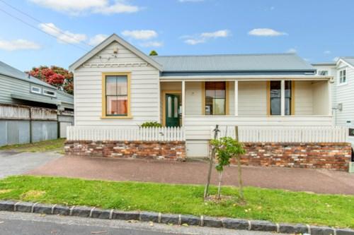 Ponsonby, Viva la villa, Property ID: 37000113 | Barfoot & Thompson