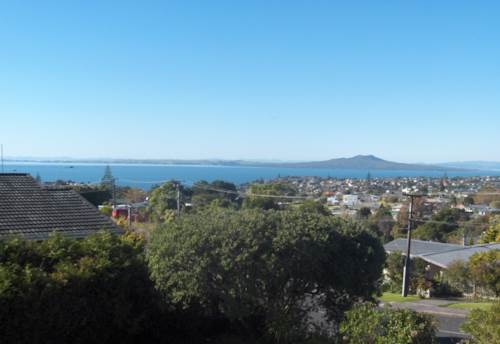 Murrays Bay, Spectacular Seaviews, large home, sought after schools, Property ID: 19000312 | Barfoot & Thompson