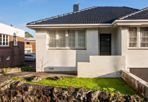 Mt Eden, Stroll to Mt Eden Village., Property ID: 14000297 | Barfoot & Thompson