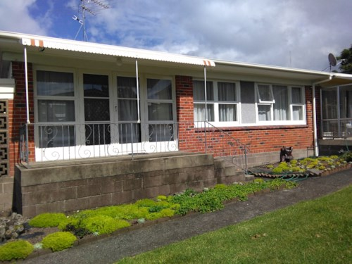 One Tree Hill, Spacious, well located unit - NO LETTING FEE, Property ID: 14000610 | Barfoot & Thompson
