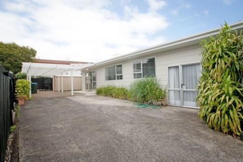 Onehunga, Onehunga Heights, Property ID: 14000534 | Barfoot & Thompson