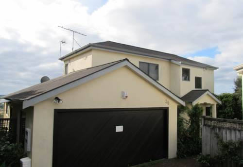 Unsworth Heights, Partially Furnished- bedroom home In Unsworth Height, Property ID: 15000467 | Barfoot & Thompson