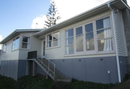 Manurewa, NEAT AND TIDY 4 BEDROOM HOME, Property ID: 16000648 | Barfoot & Thompson