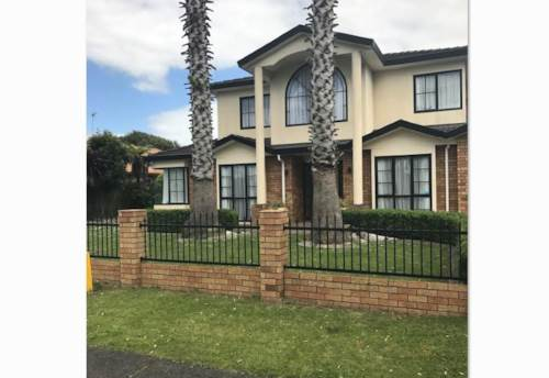 Takanini, Executive..Beautifully presented lovely home......., Property ID: 20000338 | Barfoot & Thompson
