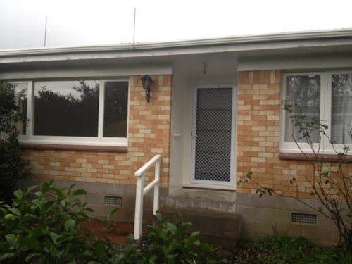 Manurewa, Lovely 2 Bedroom Brick and Tile in Russell!!!, Property ID: 20001116 | Barfoot & Thompson
